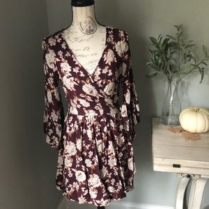 NWT American Eagle burgundy floral wrap dress med